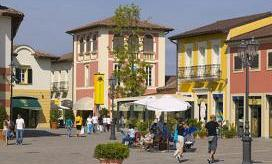 Shopping day trip of the Serravalle Outlet, departing from Milan